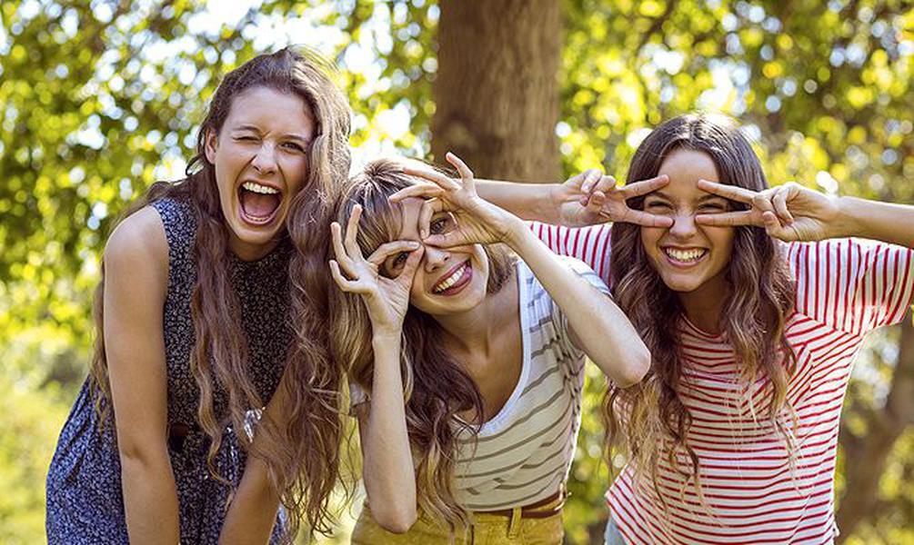 брызгозащищённой картинка троих друзей его владелец